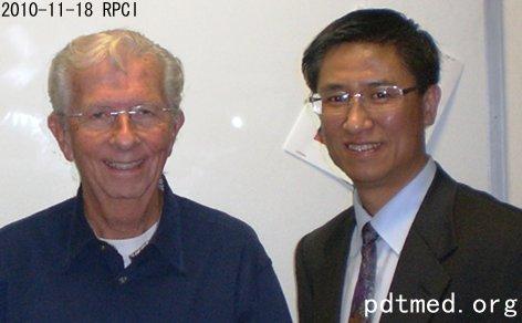 专访:Roswell Park癌症研究所利用多学科团队协作研究PDT